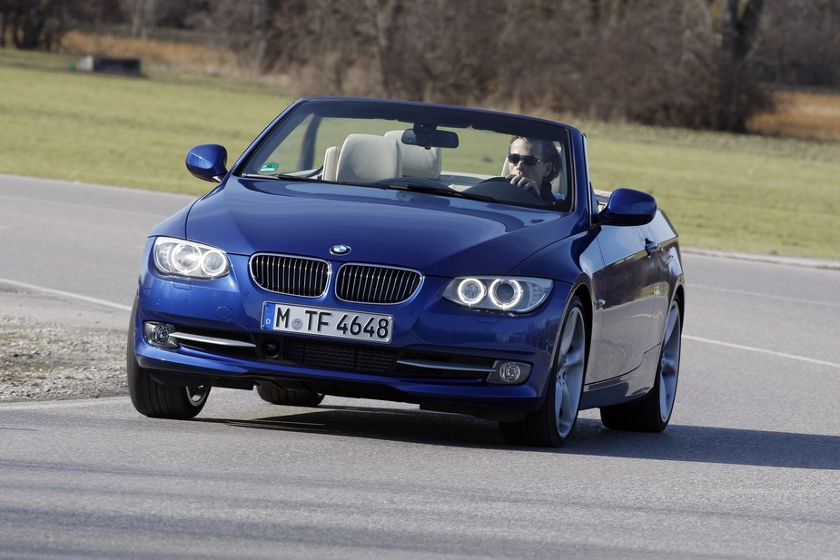 bmw 320d cabriolet m sport edition automatic 1 photo and 5 specs. Black Bedroom Furniture Sets. Home Design Ideas