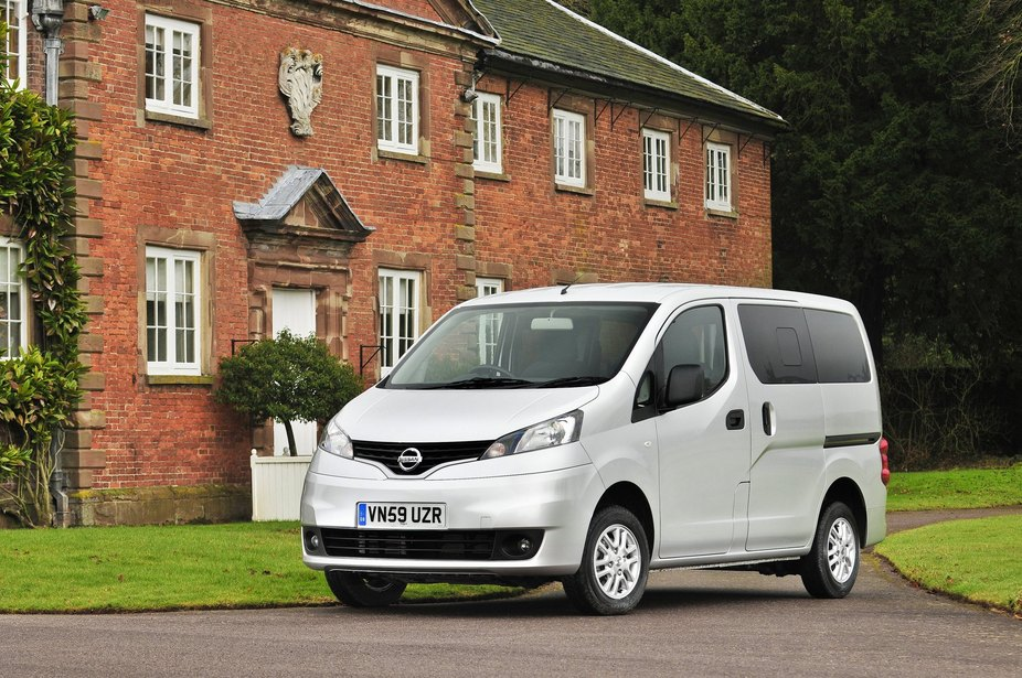 nissan nv200 combi 5 1 5 dci basic 1 photo and 56 specs. Black Bedroom Furniture Sets. Home Design Ideas