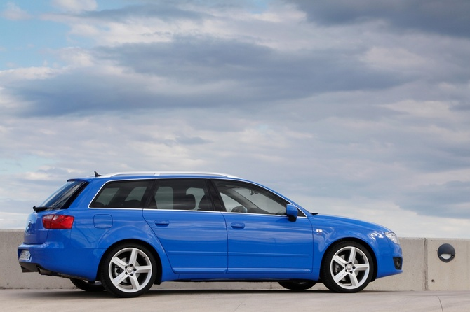seat exeo st 2 0 tdi dpf cr sport photos 3 pictures. Black Bedroom Furniture Sets. Home Design Ideas