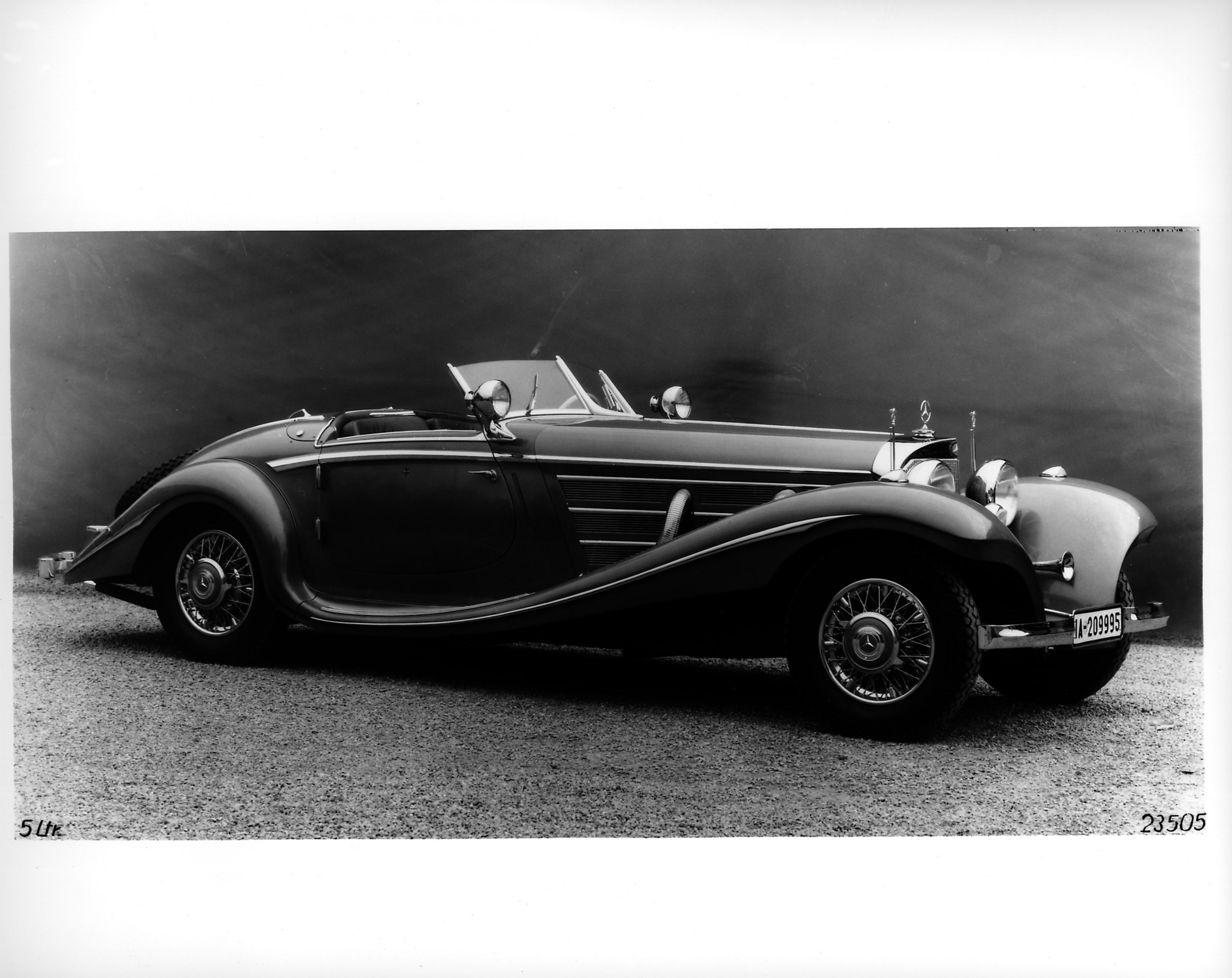 Mercedes benz 540k special roadster in this photo mercedes benz 540k