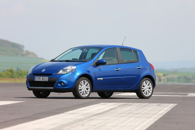 people renault clio tce 100 luxe photo autoviva