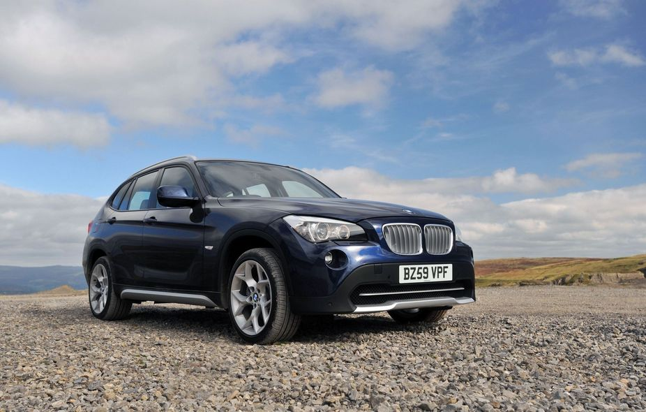 bmw x1 xdrive 18d se 1 photo and 5 specs. Black Bedroom Furniture Sets. Home Design Ideas